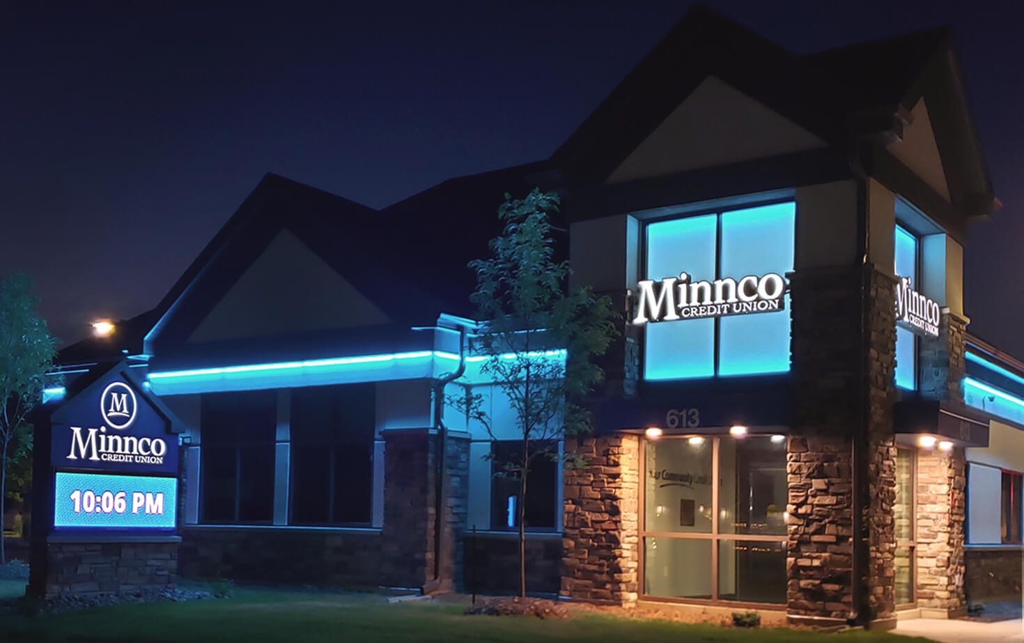 Minnco Credit Union_Big Lake - monument sign, channel letters & LED strip lighting and RGB backlit Window Lighting